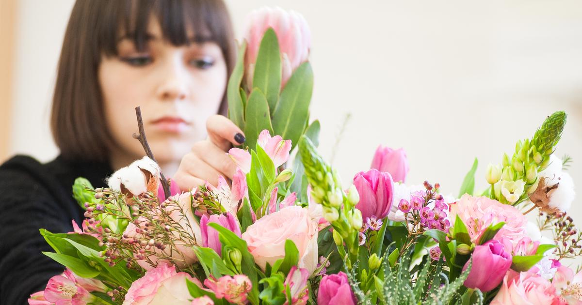 Цветок заказ на 8 марта какие дарят, уличные цветы прайс